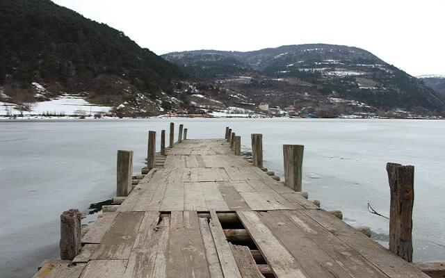 Donmuş göl